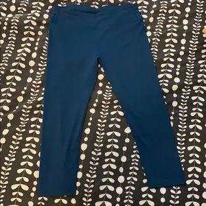 Teal size M Fabletics running Capri leggings